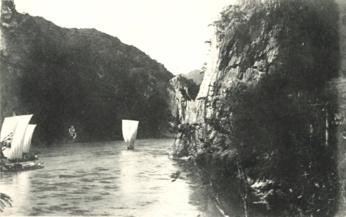 阿賀野川の帆掛け舟