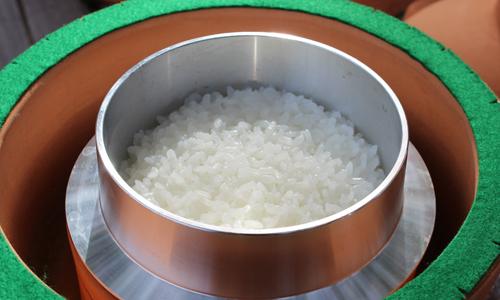 ミニ蒸しかまどで炊いた絶品ご飯