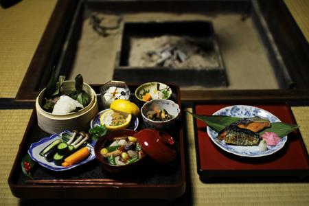阿賀野川流域の郷土食を集めた豪華な粗食