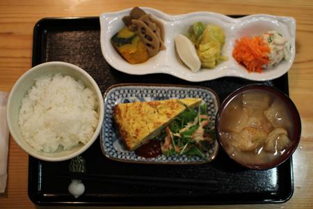 惣菜ダイニング雉や夜弁当10