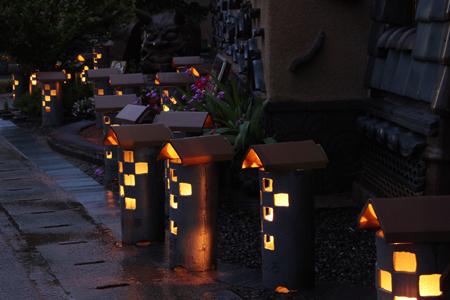 瓦陶器灯篭2013点灯の様子2