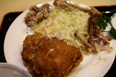 10とりかん(五泉市)小間切れ定食・四つ切:(鶏肉のから揚げ)