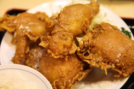 4とりかん(五泉市)小間切れ定食・四つ切:(鶏肉のから揚げ)