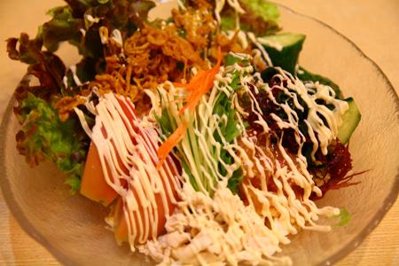 2とりかん(五泉市):とりかんサラダ