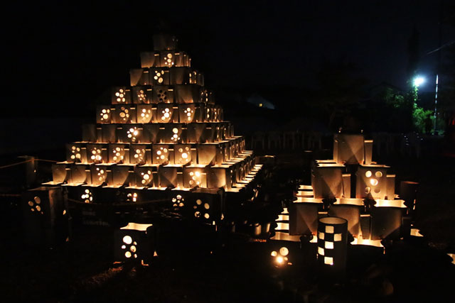 9.安田瓦ロードフェスティバル2015瓦灯篭